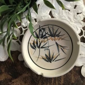 HAND CRAFTED | Stoneware Ashtray